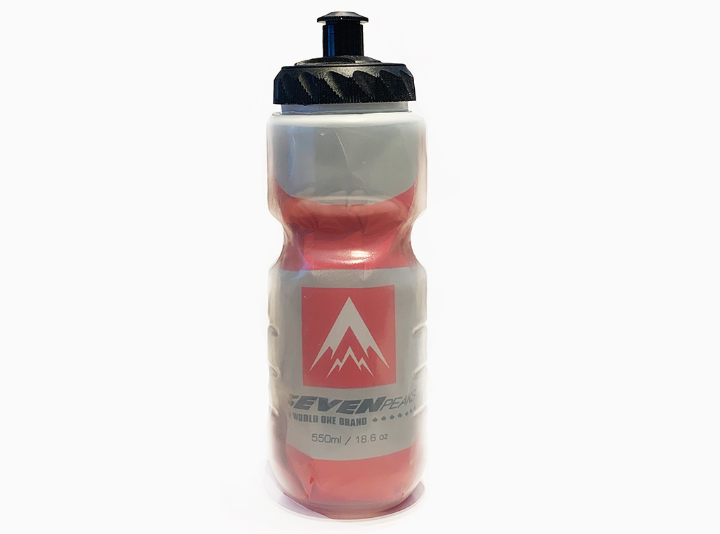 SEVEN PEAKS INSOLATED WATER BOTTLE WITH CAGE INCLUDED